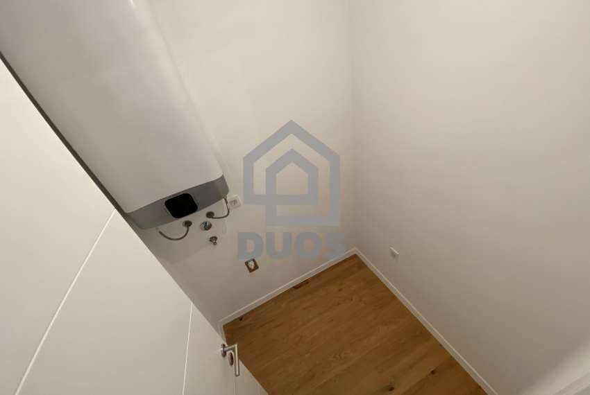Luxury apartment in the basement of a building with two bedrooms and a swimming pool 9