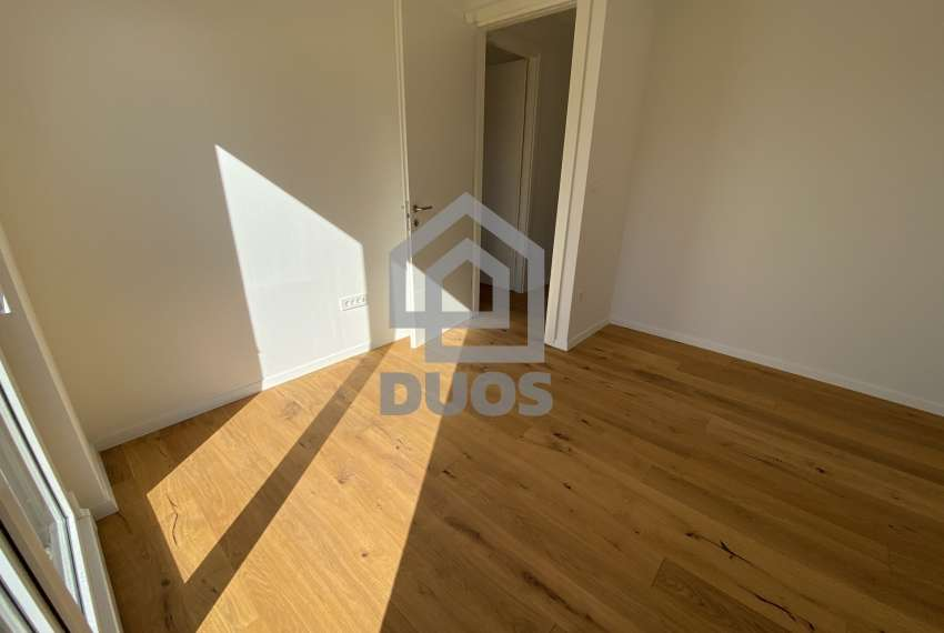 Luxury apartment in the basement of a building with two bedrooms and a swimming pool 13