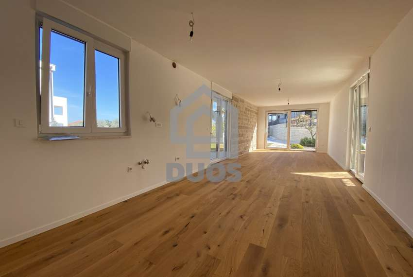 Luxury apartment in the basement of a building with two bedrooms and a swimming pool 16