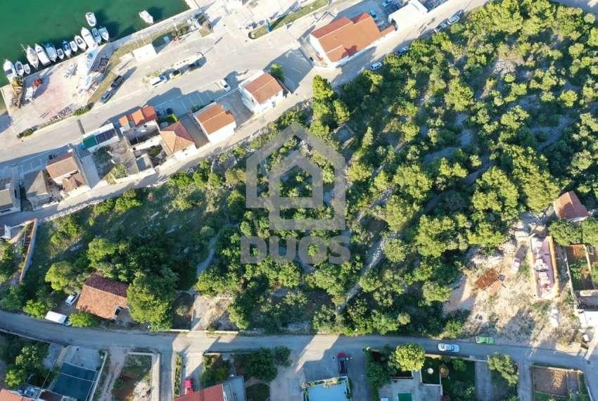 Građevinsko zemljište u mjestu Jezera - 1170m2 - pogodno za dvije stambene jedinice 6