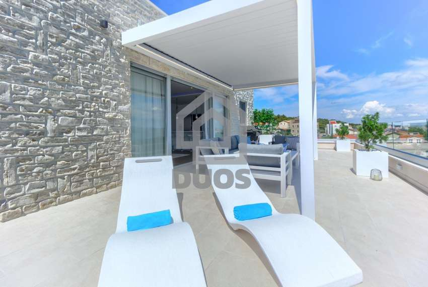 Luxury penthouse by the sea - parking - TOP REAL ESTATE 1