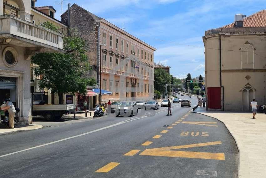 Geschäftsräume zur Miete in Šibenik - geeignet für Operationen und dergleichen