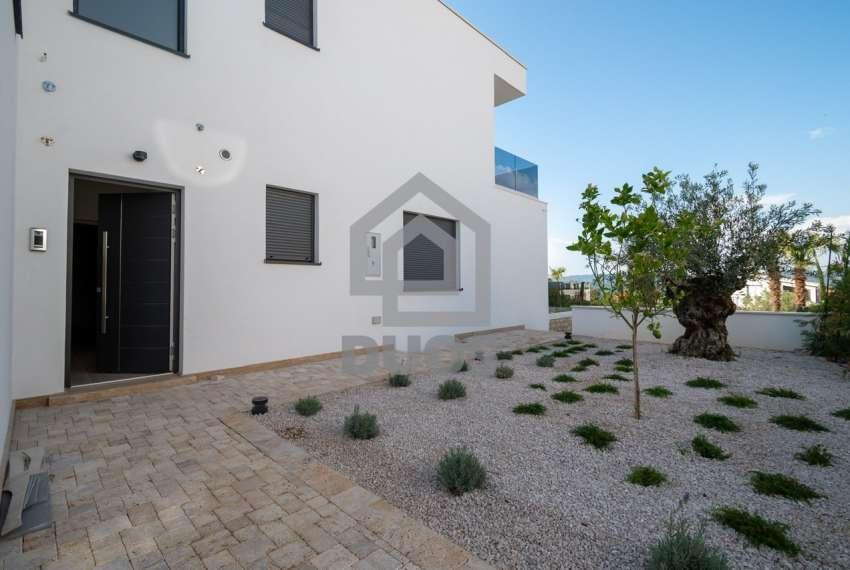 Luksuzna vila - Murter- bazen - pogled na more 305 m2