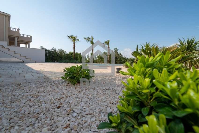 Luksuzna vila - Murter- bazen - pogled na more 305 m2 3