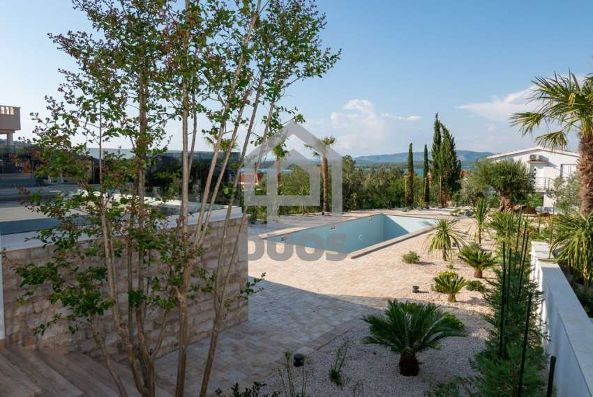 Luksuzna vila - Murter- bazen - pogled na more 305 m2 4