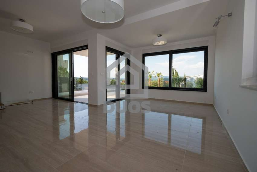 Luksuzna vila - Murter- bazen - pogled na more 305 m2 7