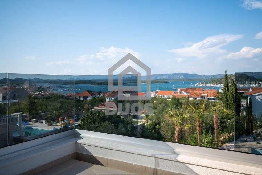 Luksuzna vila - Murter- bazen - pogled na more 305 m2 10