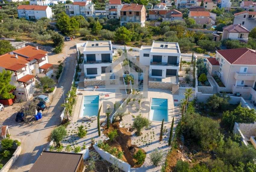 Luksuzna vila - Murter- bazen - pogled na more 305 m2 25