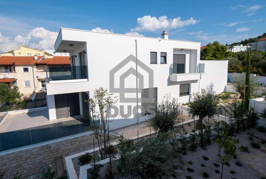 Luksuzna vila - Murter- pogled na more 245 m2 3