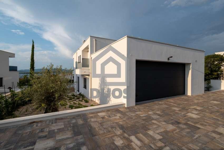 Luksuzna vila - Murter- pogled na more 245 m2 11