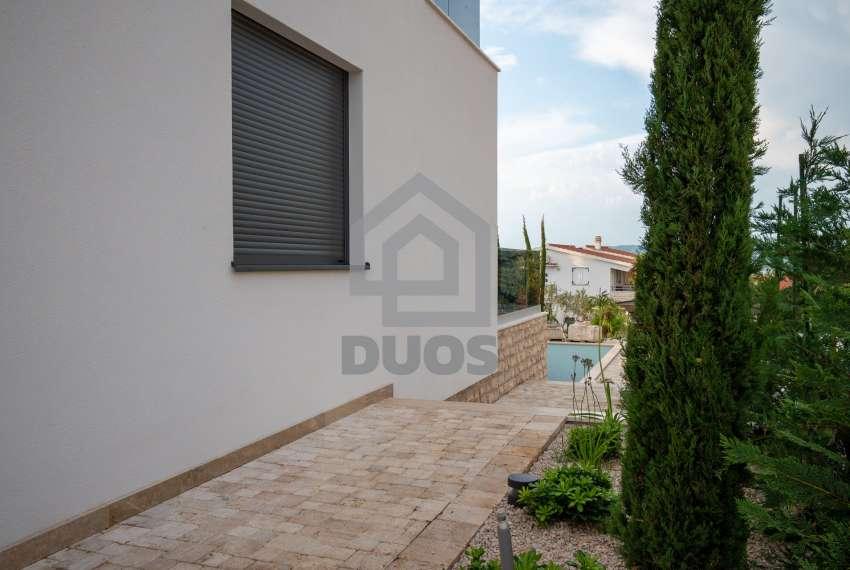 Luksuzna vila - Murter- pogled na more 245 m2 13