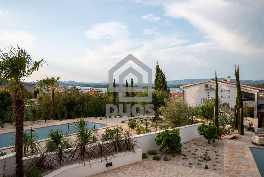 Luksuzna vila - Murter- pogled na more 245 m2 17