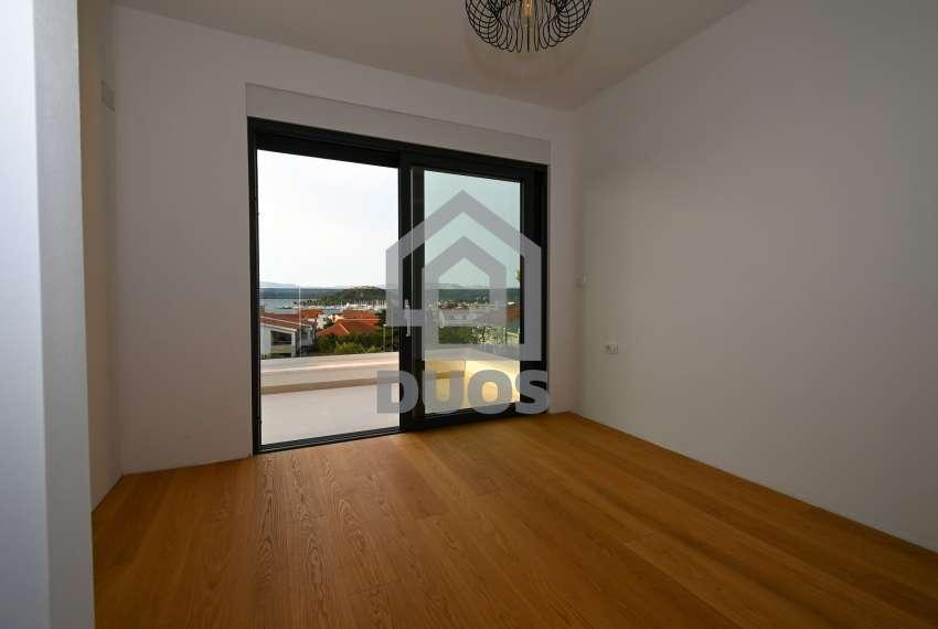 Luksuzna vila - Murter- pogled na more 245 m2 21