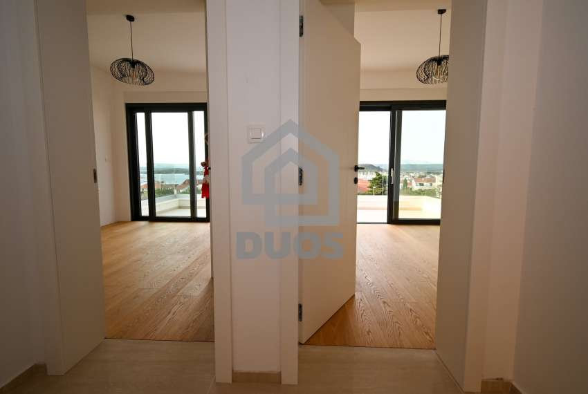 Luksuzna vila - Murter- pogled na more 245 m2 22