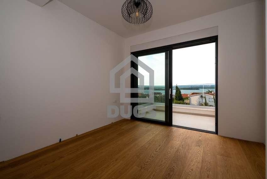 Luksuzna vila - Murter- pogled na more 245 m2 26