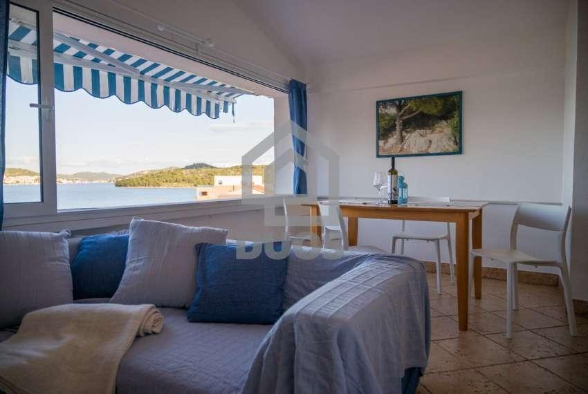 Prekrasna villa s 3 apartmana na otoku Murteru s uhodanim poslom najma 8
