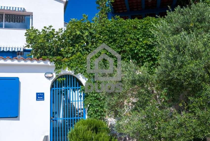 Prekrasna villa s 3 apartmana na otoku Murteru s uhodanim poslom najma 21