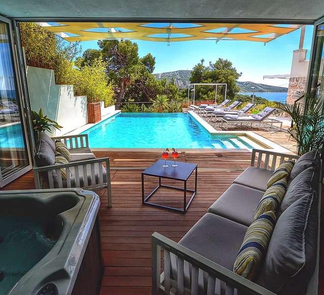 Prekrasna vila u mjestu Primošten s pogledom na more - privatnost osigurana