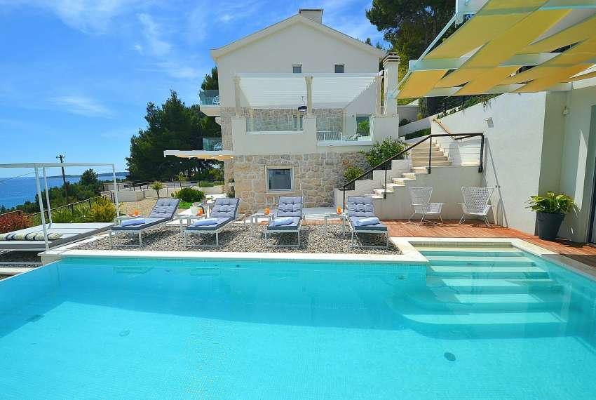 Beautiful villa in Primosten with sea view - privacy guaranteed 1
