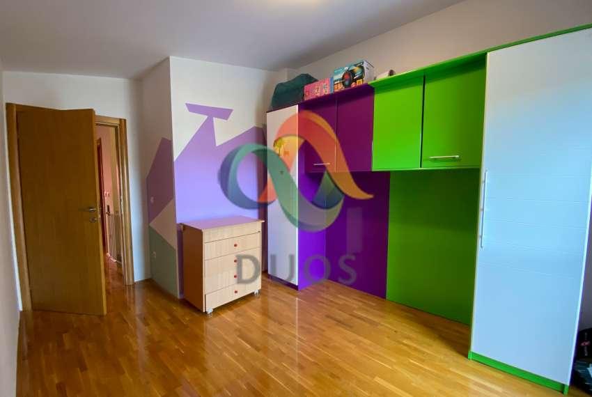 Simpatični dvoetažni stan u naselju Magdalena - Kraljevački Novaki 10