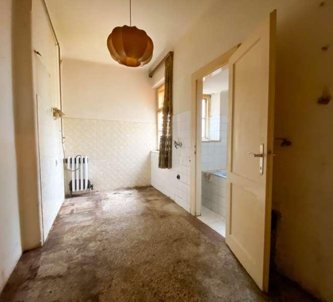 Stan za renoviranje - 3.kat - Klaićeva