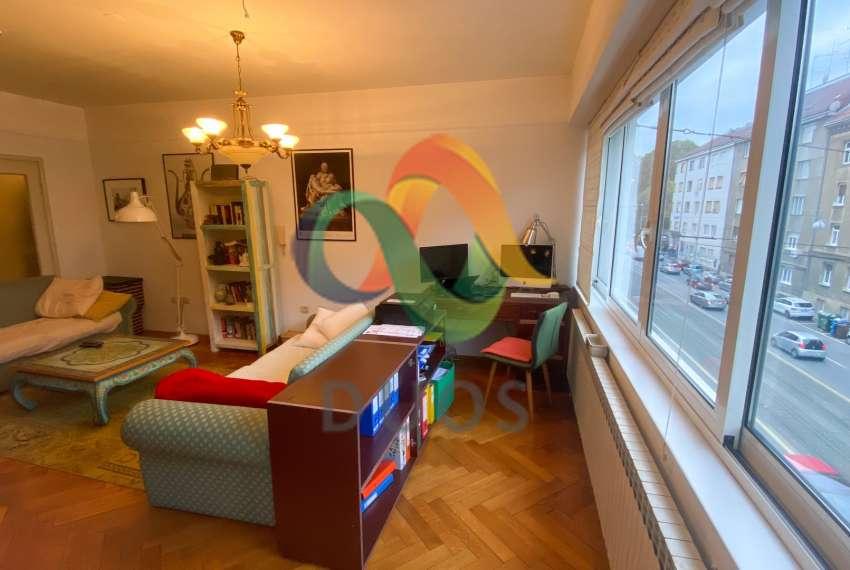 Prostrani stan na drugom katu zgrade u ulici Pavla Šubića u Zagrebu 10