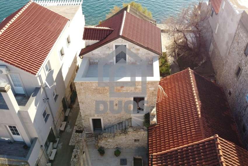 Renovirana kamena kuća spremna za useljenje - Otok Murter 23