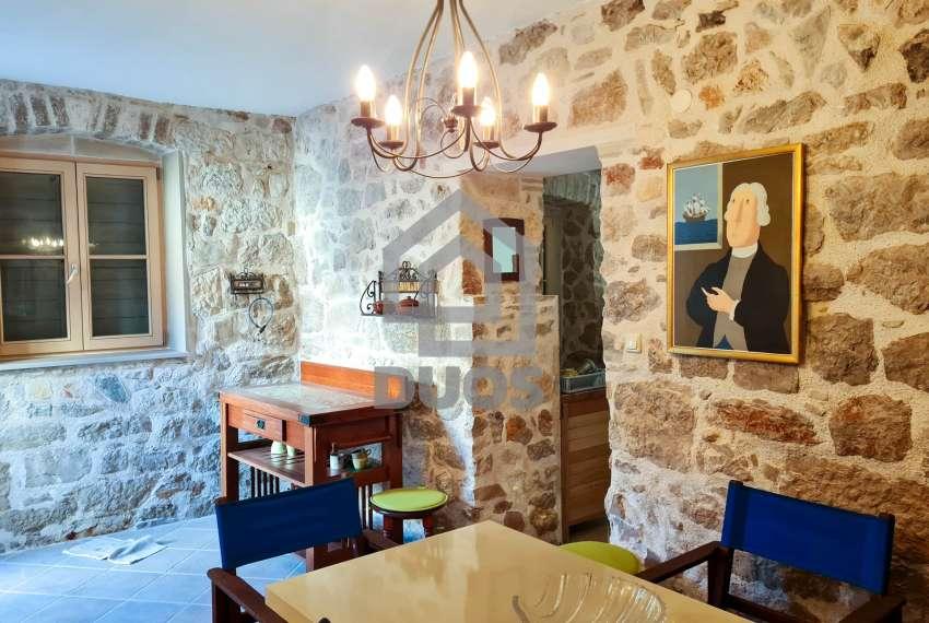 Renovirana kamena kuća spremna za useljenje - Otok Murter 4
