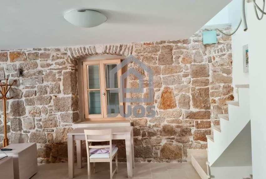 Renovirana kamena kuća spremna za useljenje - Otok Murter 8