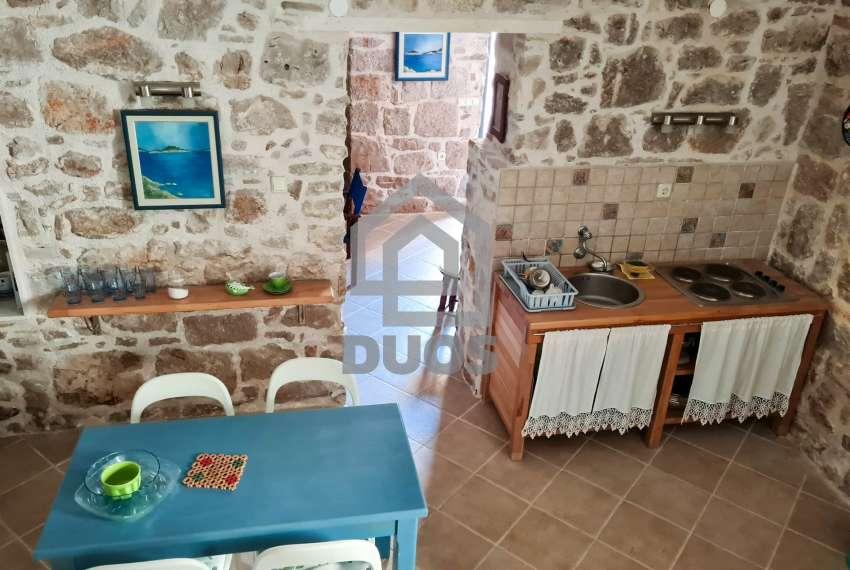 Renovirana kamena kuća spremna za useljenje - Otok Murter 19