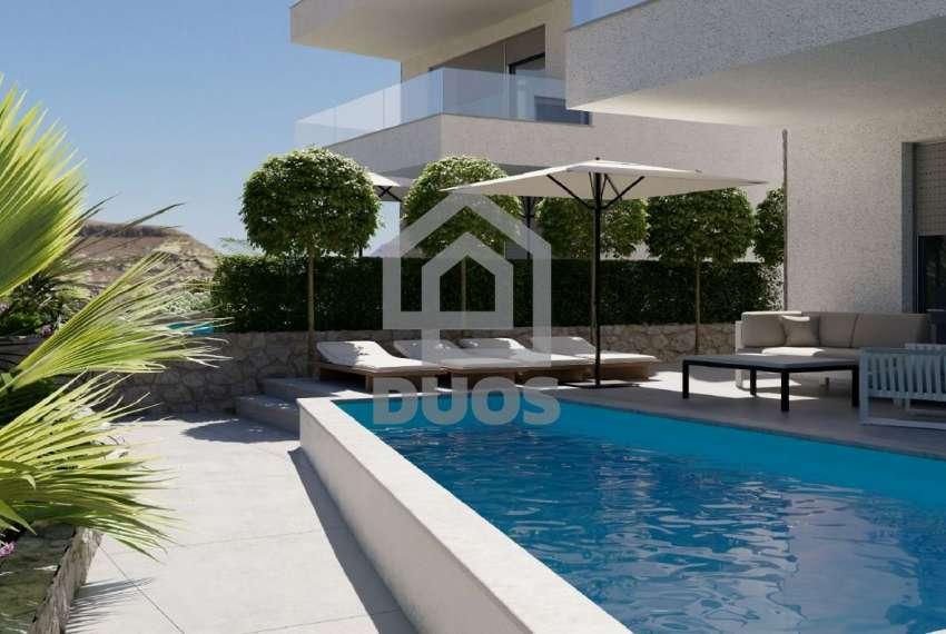 Novogradnja - apartman s dvije spavaće sobe - blizina plaže - Murter - vrt 4