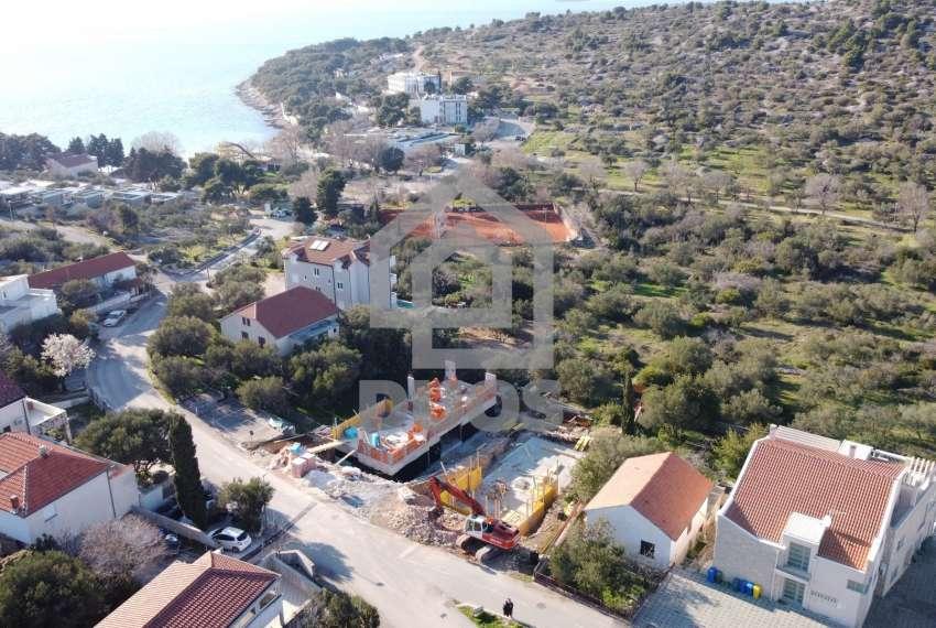 Novogradnja - stan s tri spavaće sobe - blizina plaže - Murter 1