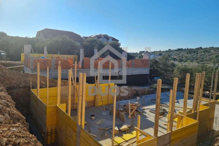 Novogradnja - stan s tri spavaće sobe - blizina plaže - Murter 17