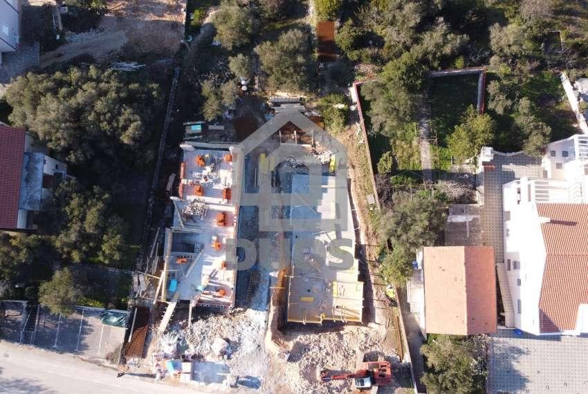 Novogradnja - apartman s dvije spavaće sobe - blizina plaže - Murter - vrt 9
