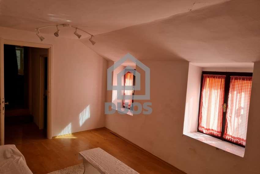 Kuća u samom centru mjesta Tisno - s pogledom na more - poslovni prostor u prizemlju 22