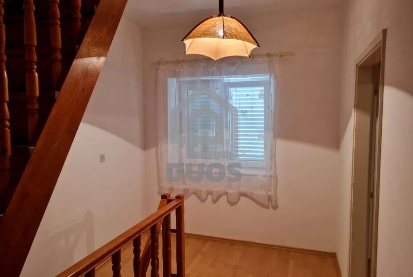 Kuća u samom centru mjesta Tisno - s pogledom na more - poslovni prostor u prizemlju 23