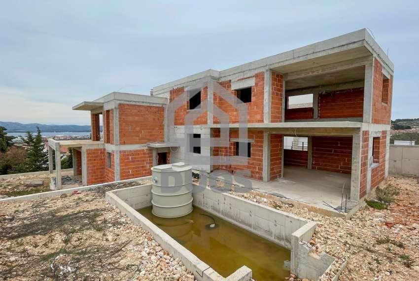 Novogradnja - Murter - dvije spavaće - pogled - parking - 1.kat 4