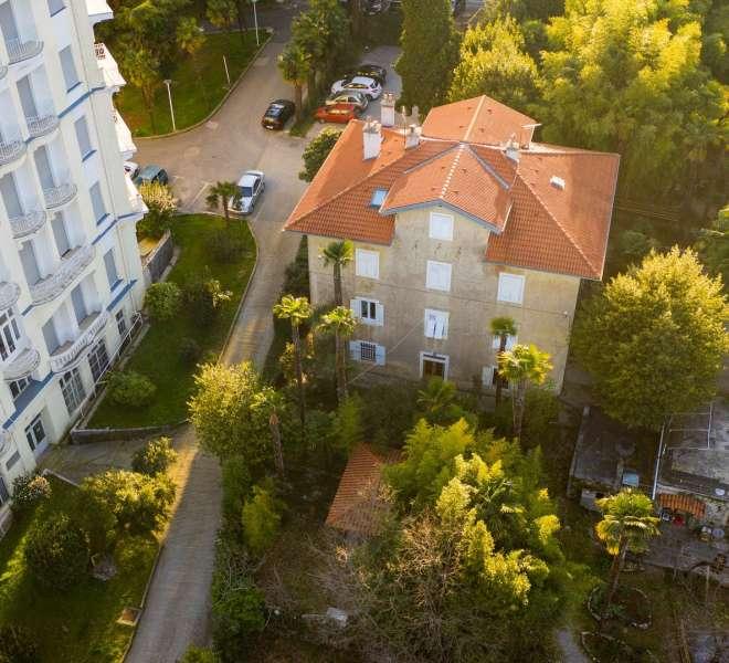 Haus in Lovran mit offenem Meerblick und großem Garten