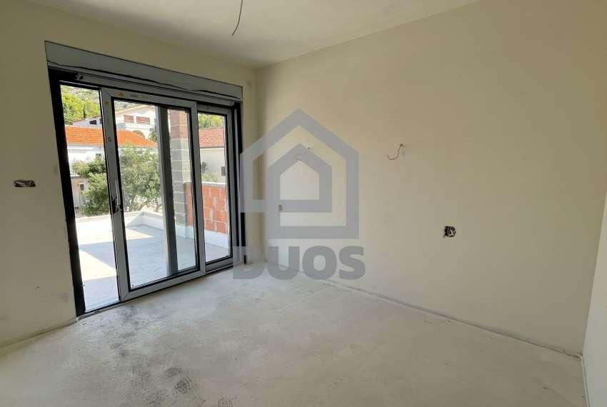 Novogradnja - stan s tri spavaće sobe - blizina plaže - Murter 8