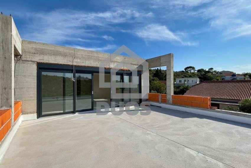 Novogradnja - stan s tri spavaće sobe - blizina plaže - Murter 13