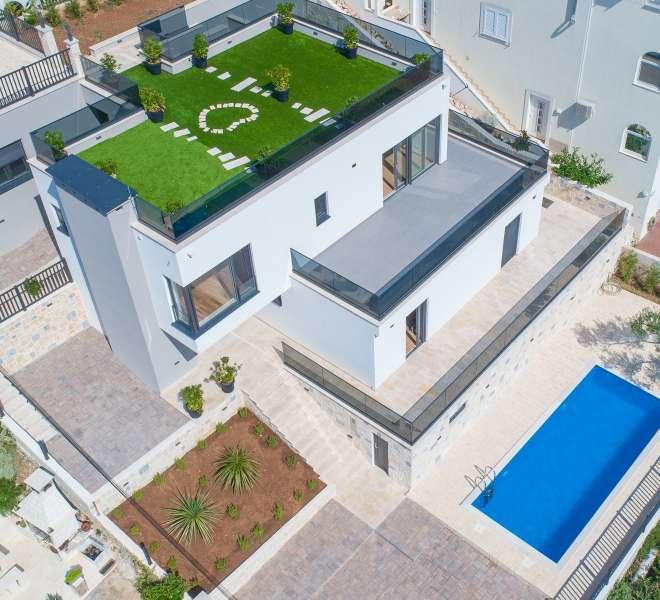 Tisno - luksuzna vila na tri kaskade s pogledom na more